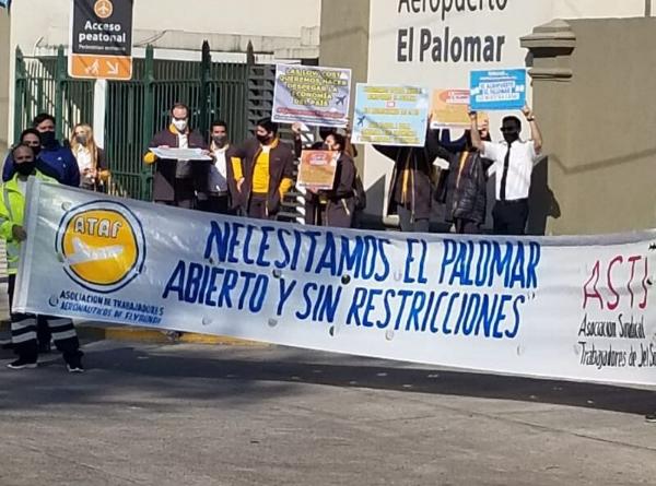 Marcha de vecinos en favor del aeropuerto de El Palomar