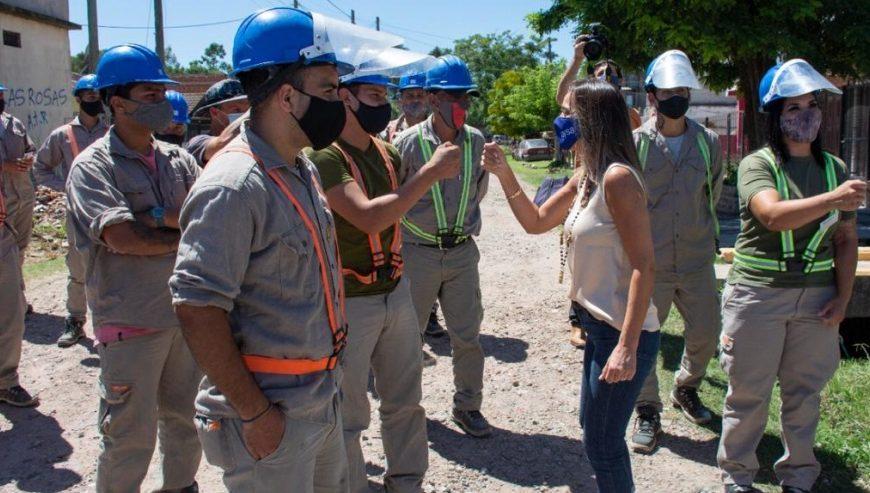 Malena y Cascallares inauguraron una red de agua potable en Almirante Brown